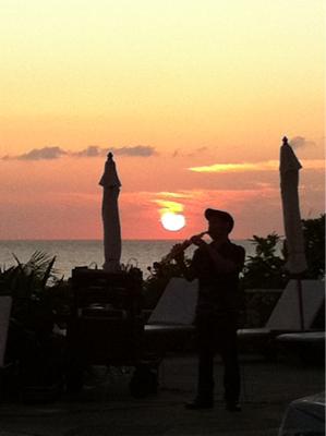 ザ・ブセナテラスの夕陽