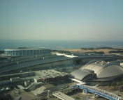 霞む東京湾